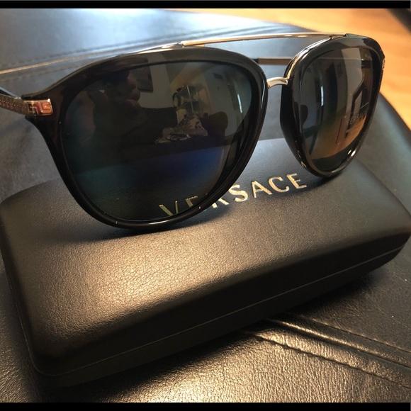 3d38067977 Versace polarized sunglasses 🕶